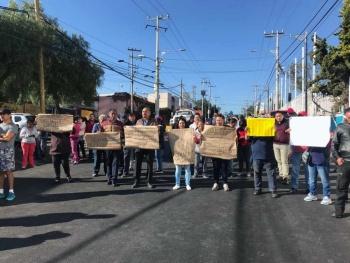 Vecinos bloquean avenida en Álvaro Obregón por falta de agua