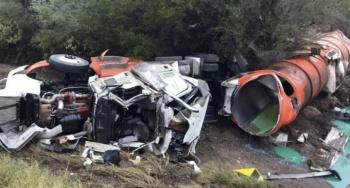 Vuelca pipa con 42 mil litros de diésel en carretera de Tamaulipas