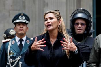 Presidenta interina busca reordenar Gobierno en Bolivia; protestas no cesan