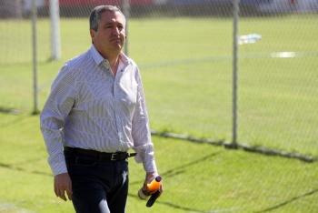 Lamenta el Club América la muerte de Jorge Vergara