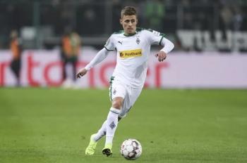 Borussia Dortmund ficha a Thorgan Hazard hasta 2024