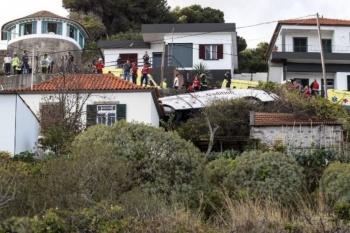 Volcadura de autobús en Portugal deja 28 muertos