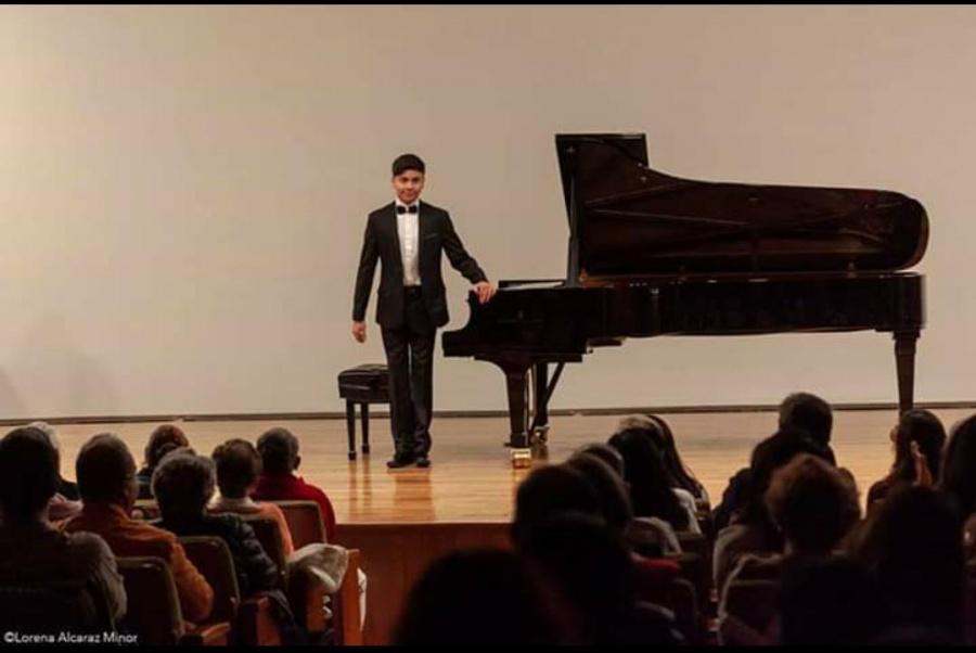 Tres jóvenes pianistas sorprenden con su destreza en la Sala Manuel M. Ponce
