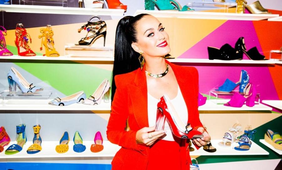 Al igual que Gucci, Katy Perry retira artículo por evocar al