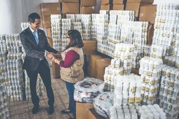Entregan primera tanda de comida en Caracas