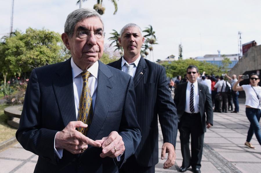 Óscar Arias, Nobel de la Paz, enfrenta acusaciones de abuso sexual