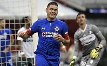 Pablo Aguilar entrena al parejo