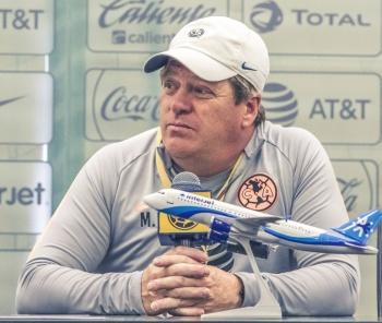 Miguel Herrera confirma a Nico Castillo de titular contra Pumas