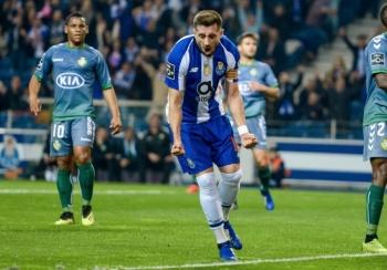 Héctor Herrera lidera victoria del Porto ante el Vitoria Setubal