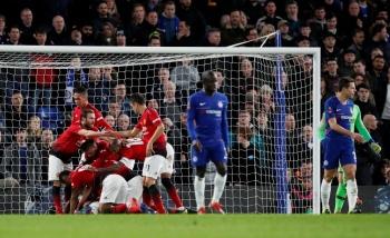 Manchester United elimina al Chelsea de la FA Cup y pone contra las cuerdas a Sarri