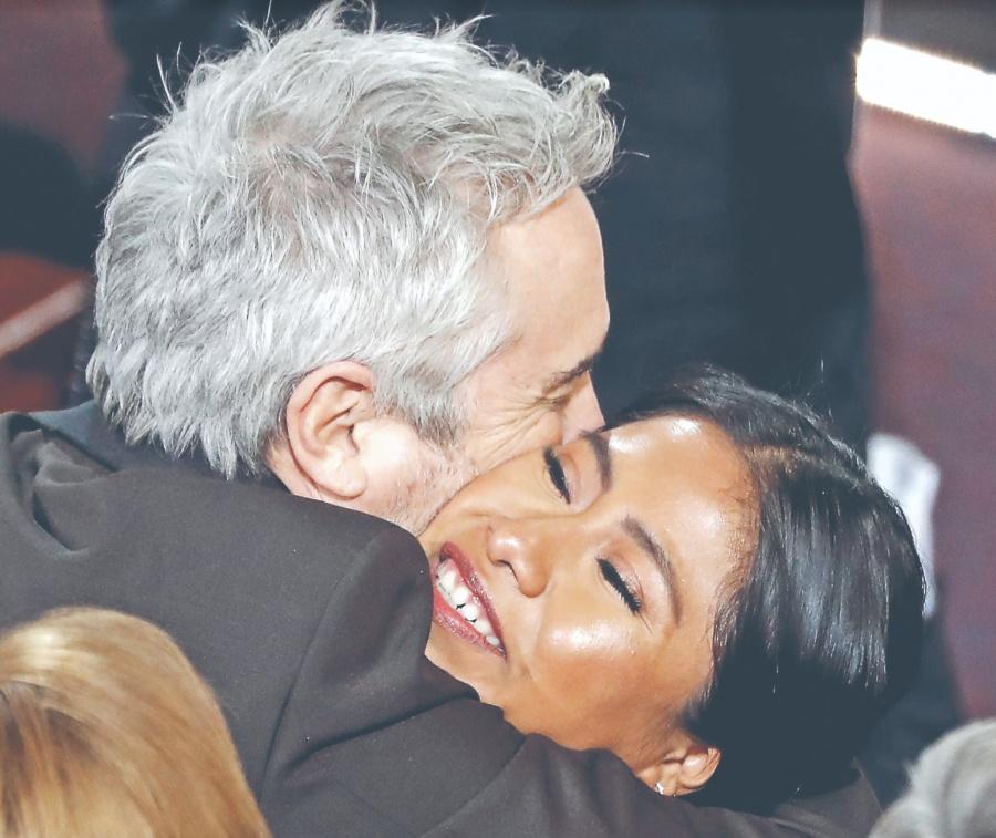 Cuarón conquista 3 Oscar con filme 100% mexicano
