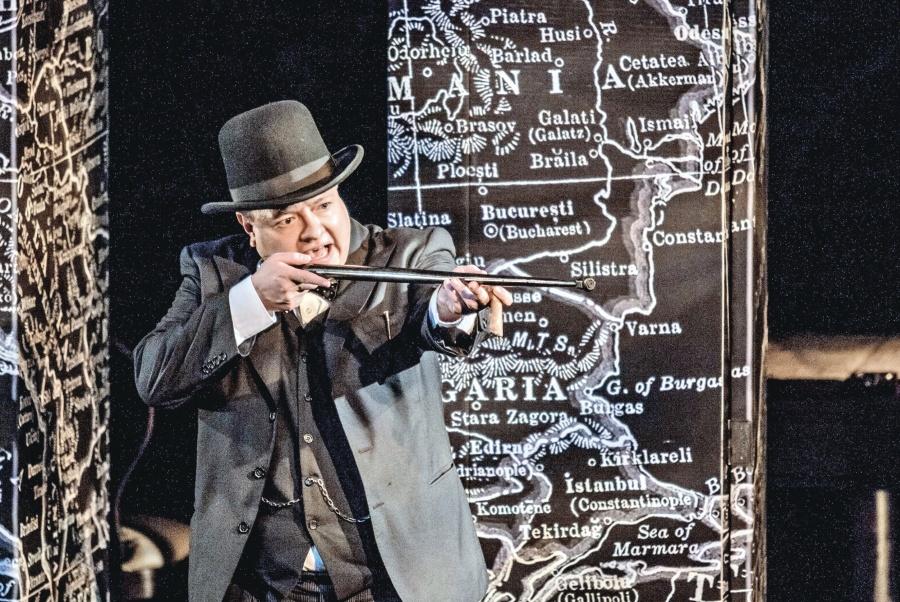 """Churchill"" regresa al Helénico para dar clase magistral de política"