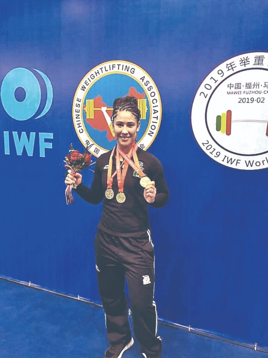Pesista Jennifer Cantú gana Oro en Copa Del Mundo