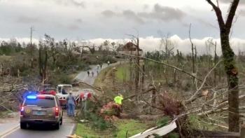 Suman 23 muertos, por tornado en Alabama