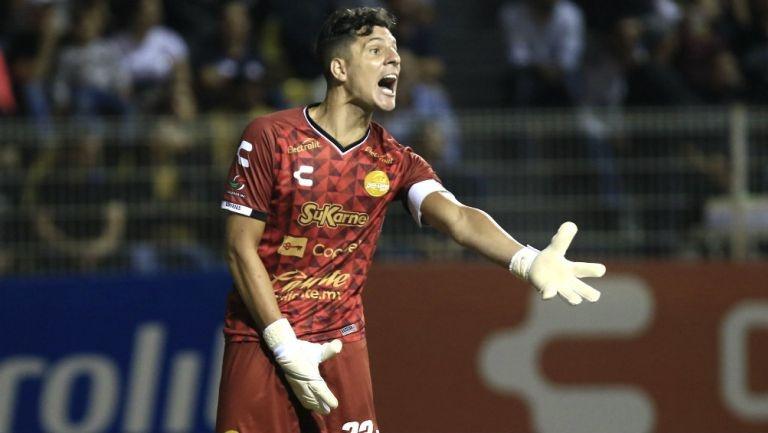 Gaspar Servio es suspendido un juego por fingir agresión