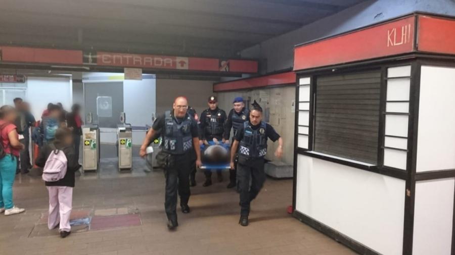 Falla en escalera eléctrica de Metro Mixcoac deja ocho lesionados