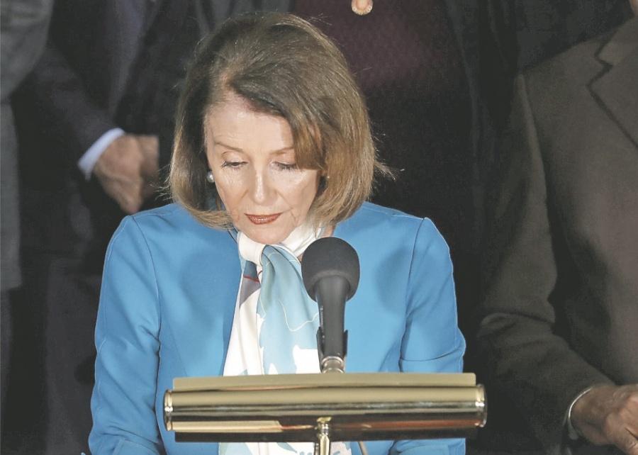 Senado se alista para bloquear muro de Trump