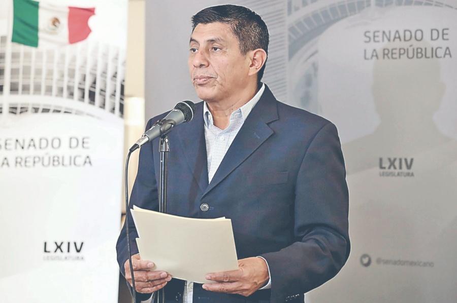 Morenista busca acotar a las calificadoras