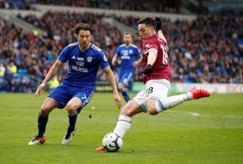Chicharito y el West Ham, caen ante Cardiff y mantienen su irregularidad