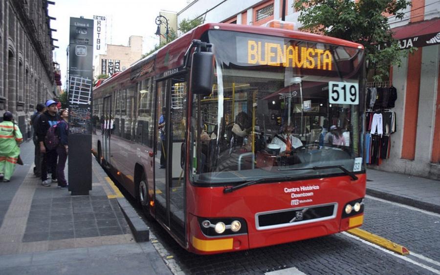 Por carrera deportiva suspenden servicio de Metrobús