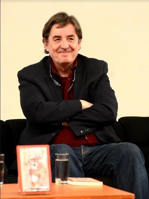 Presenta el poeta Luis García Montero su obra Lágrima Extraña