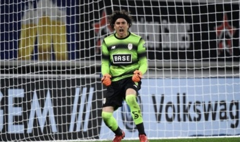 Memo Ochoa remonta y vence con el Standard en Bélgica