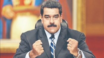 Maduro exige la renuncia de su gabinete