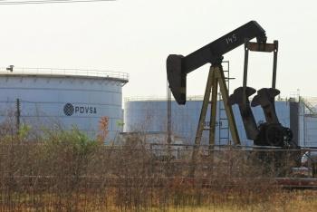 Venezuela suspende exportaciones de petróleo a India