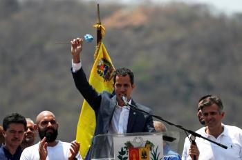 Asamblea dirigida por Guaidó mantendrá derechos de militares desertores de Maduro
