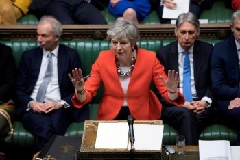 Theresa May busca aplazar el Brexit con opción de extensión de 2 años
