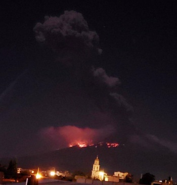 Tras explosión, Popocatépetl registra 117 exhalaciones