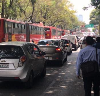Líneas 1 y 2 de Metrobús sin servicio por manifestantes