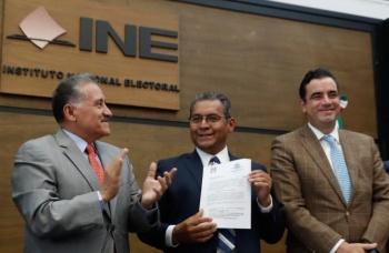 PRI registra ante el INE a su candidato a la gubernatura de Puebla