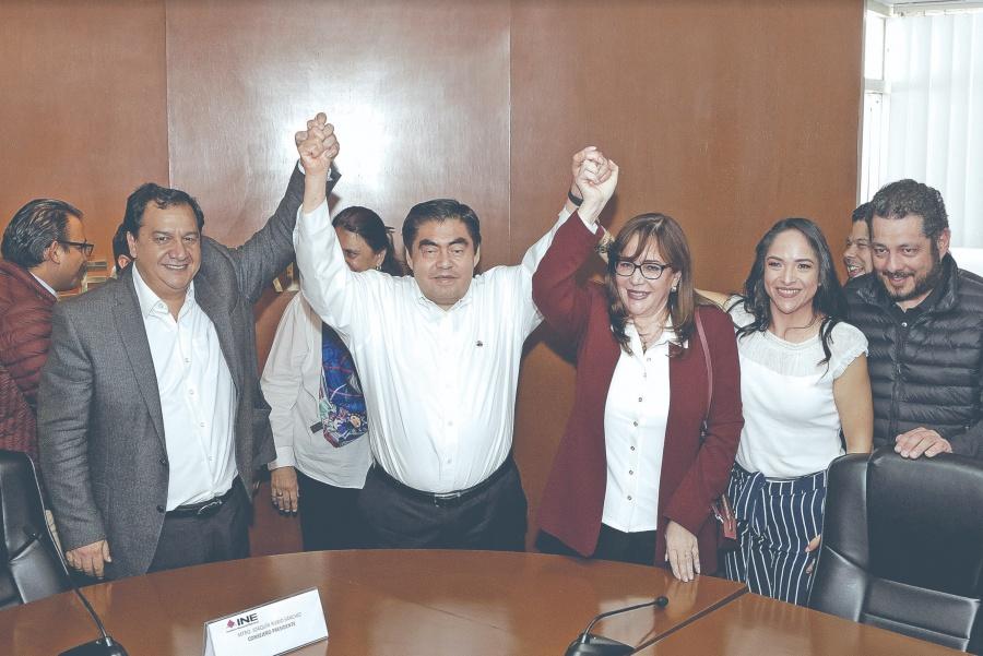 Inicia el PRI y Morena su registro de candidatos ante el INE