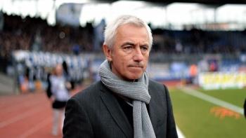 Holandés Van Marwijk, nuevo entrenador de Emiratos Árabes Unidos