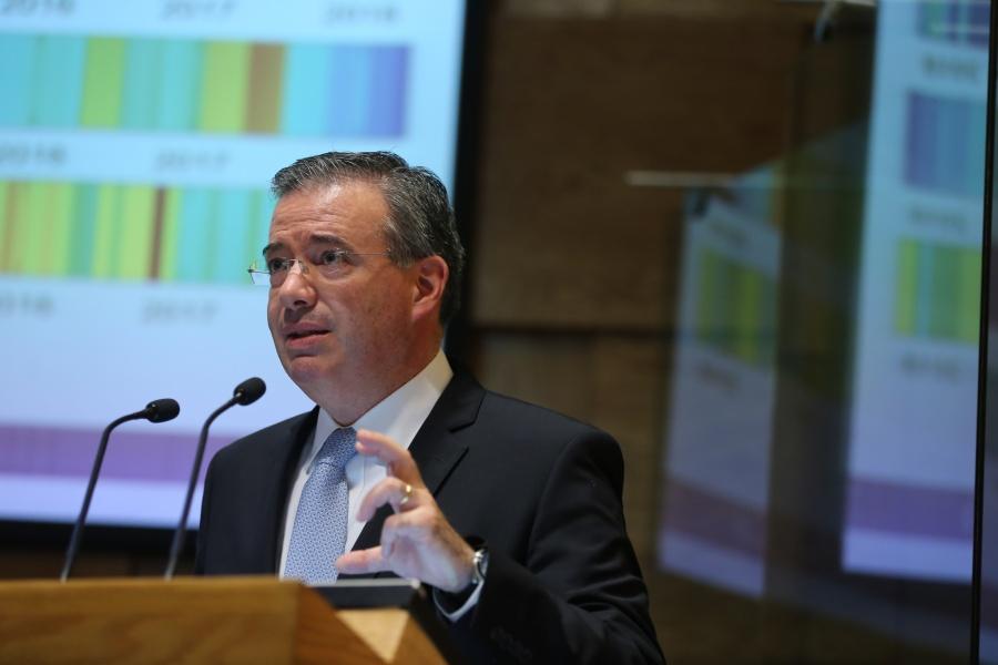 Confía Banxico que fondos de estabilización ayuden finanzas de Pemex