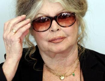 Brigitte Bardot alza la voz por los animales y la tachan de racista