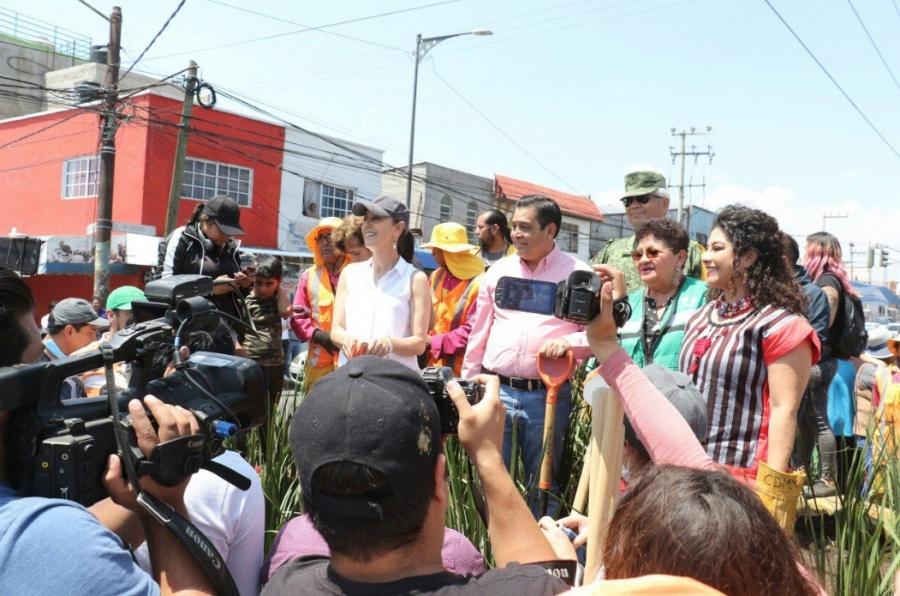 """Claudia Sheinbaum lleva a cabo """"Sábado de Tequio"""" en Iztapalapa"""