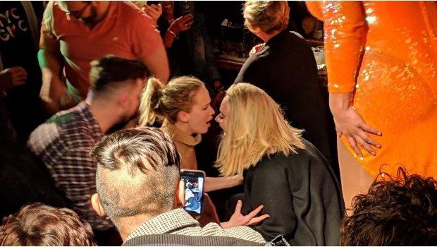 Noche de chicas en Nueva York para Adele y Jennifer Lawrence
