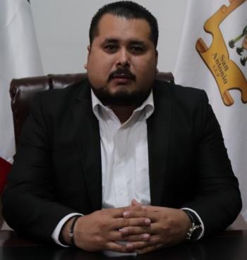 Alcalde sigue entregando apoyo a escuelas de San Antonio, SLP