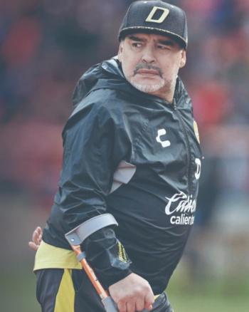 Maradona arremete contra la Albiceleste