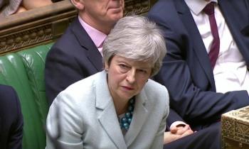 Theresa May lucha por mantener el control del Brexit