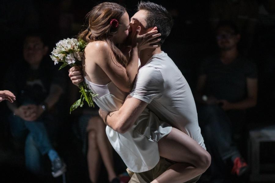 Moderna y minimalista, arranca Romeo y Julieta en el Foro Lucerna