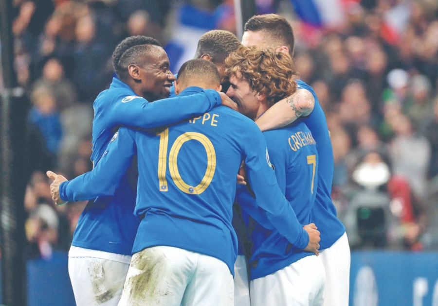 Francia golea a Islandia en duelo para la Eurocopa