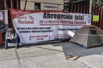 Nuevamente, protesta la CNTE en San Lázaro
