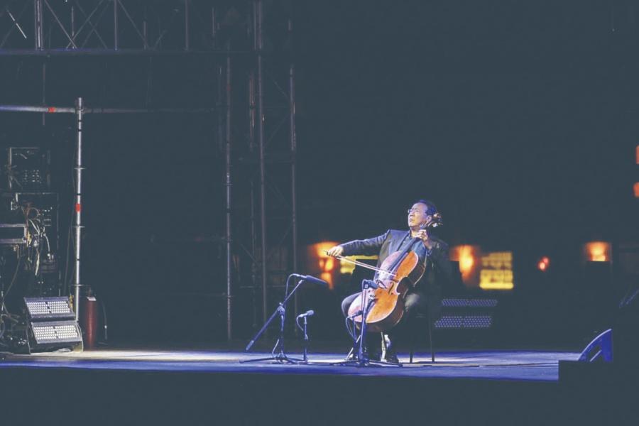 Bach Projec encanta a chilangos pese a fallas de sonido, logística...