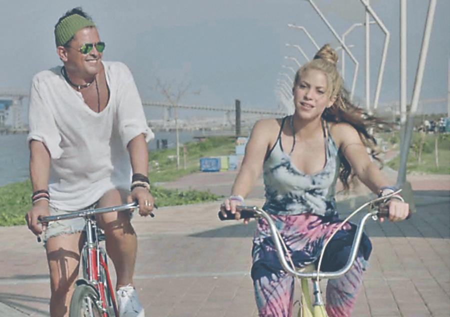 Shakira comparece por plagio