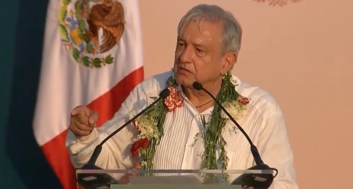Desde Tuxpan, AMLO reitera rescate de Pemex y CFE