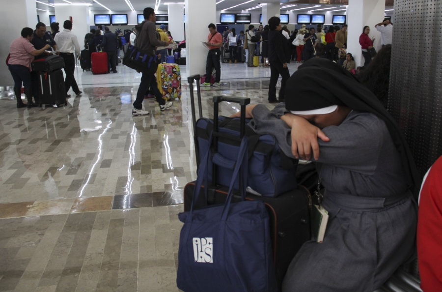 Por falta de sobrecargos, Interjet cancela vuelos nacionales