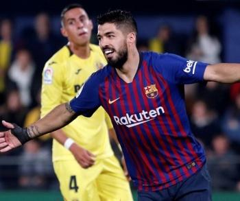 Luis Suárez salva al Barcelona de caer ante el Villarreal